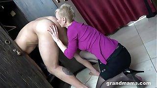CFNM Hot Granny Rimming in The Locker Room