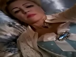 Russian rich mother sent me her candid selfies, cam.555.hhos.ru